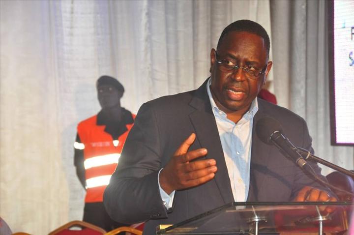 Macky Sall démarre sa tournée économique par Saint-Louis - aDakar Photos f8eeb697d5e